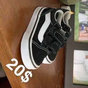 Infant vans brand new tried on son once to small